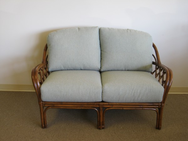 1000l Custom Deep Seating Rattan Or Wicker Loveseat Cushions